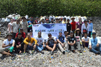 earthdaycleanup1.jpg